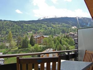 Ein Balkon oder eine Terrasse in der Unterkunft Apartment Bouleaux E5