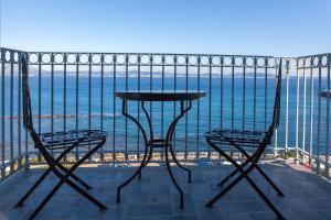 Un patio o zona al aire libre en La Residencia Tarifa