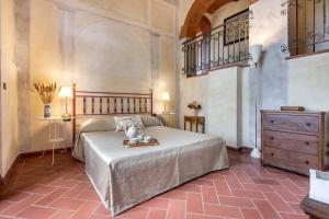 A room at Monteripaldi Borgo House