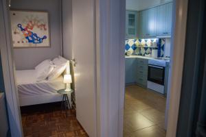 A kitchen or kitchenette at Centro Urban Chania