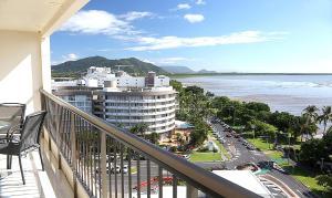A balcony or terrace at Cairns Aquarius