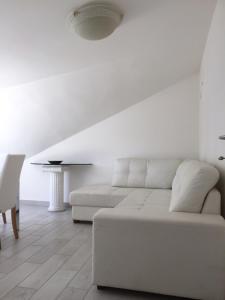 Appartamenti Via Galileo 7 Riccione, Riccione – Prezzi ...