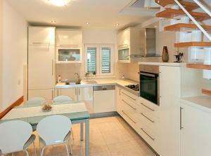 Kuhinja ili čajna kuhinja u objektu Apartment Vanja