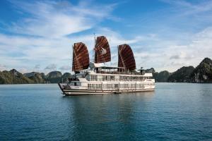Du thuyền Pelican Halong