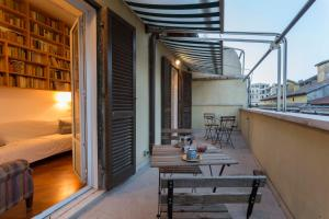 A balcony or terrace at Vatican Attic With Terrace
