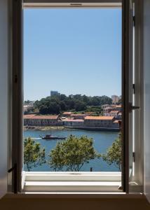 A balcony or terrace at Seventyset Flats - Porto Historical Center