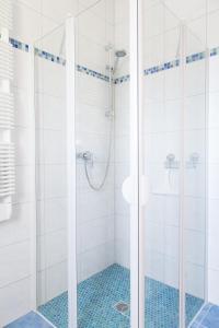 Een badkamer bij Pension Sieg