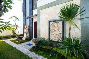 A porch or other outdoor area at Ananditha Villa