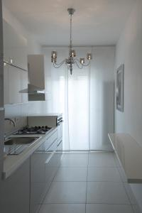 Ett kök eller pentry på Artist's suite