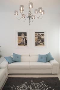 Ein Sitzbereich in der Unterkunft Artist's suite