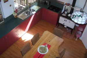 A kitchen or kitchenette at Tall Timbers at Youngs