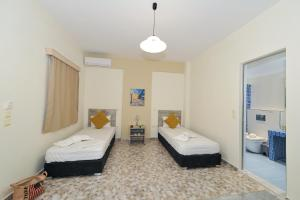 A room at Asterolithos