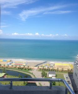 A balcony or terrace at Apartment with sea view on 22 floor