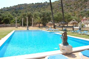 The swimming pool at or near Puerto Pollensa Villas and Apartments