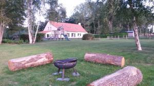 A garden outside Cottage de Vinck