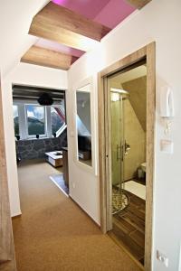 A bathroom at Apartment Luna