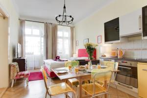 A restaurant or other place to eat at Prague Siesta Apartments