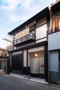 The facade or entrance of Nijyo Tsubakiya