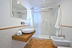 Casa Cinque tesisinde bir banyo