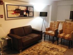 Salon ili bar u objektu Apartamentos en Miraflores La Paz