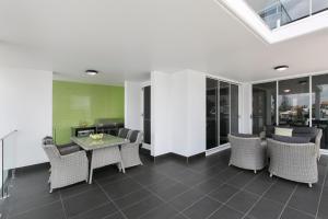 The lounge or bar area at Menso at Southbank