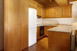 Cucina o angolo cottura di Apartamento Val de Ruda Luxe XI