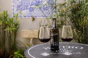 Drinks at Villa Marquês near Tejo River