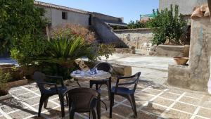 Casa de pueblo Montenegro, Zalamea de la Serena – Precios ...