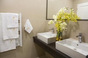 Ένα μπάνιο στο Prague Golden Age Apartment