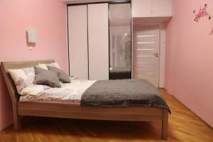 Lova arba lovos apgyvendinimo įstaigoje Apartament Milena
