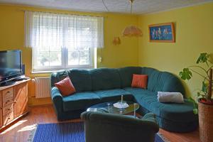 Lounge oder Bar in der Unterkunft Ferienwohnung Bömitz