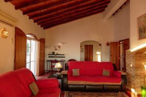 A seating area at Quinta Moirata