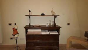 Coffee and tea-making facilities at Casa Il Gufo e la Pupa
