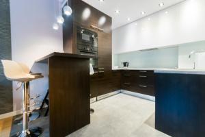 A kitchen or kitchenette at Pohulanka Luxury
