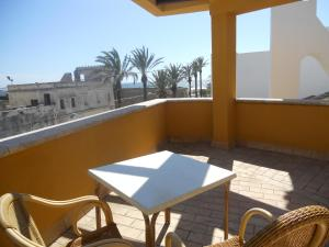A balcony or terrace at Apartamentos la Atarraya