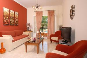 A seating area at Dimitris Apartments