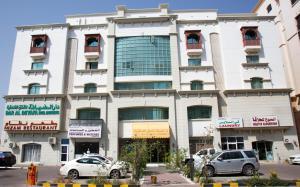 The facade or entrance of Dar Al Deyafa Hotel Apartment