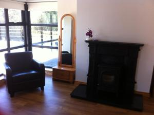 A seating area at Kilmore Quay Castleview 1 - 5 Bedroom House