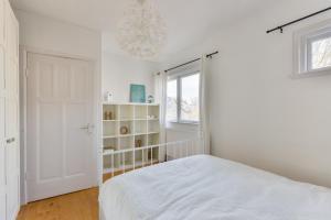 Een bed of bedden in een kamer bij Casa Aldegonde Family Free Parking