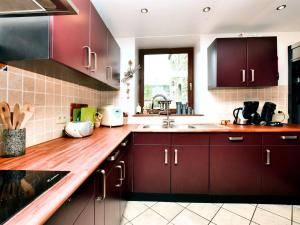 A kitchen or kitchenette at Holiday home Ma Bicoque