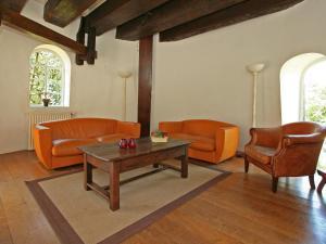 A seating area at De Verrekijker
