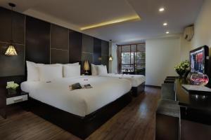 Rising Dragon Palace Hotel