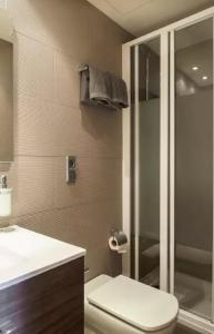 A bathroom at Tendency Plaza España
