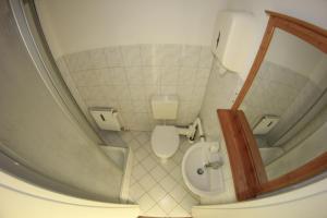 Ein Badezimmer in der Unterkunft Schlaf(t)raum