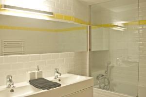 A bathroom at Chez vous - Marguerite et Emile