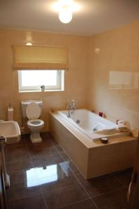 A bathroom at Sneem River House