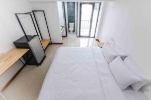돈므앙 호텔 객실 침대