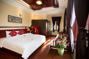 Khách sạn Posh