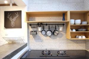 A kitchen or kitchenette at Daheim 290