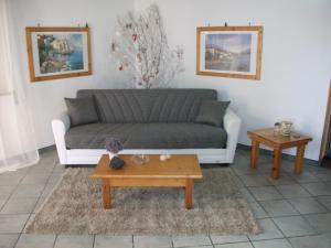 A seating area at Villa Davima
